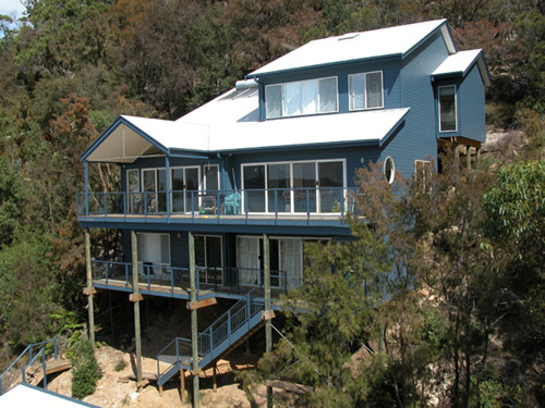 Building on sloping rock somersoft property investment for Pole home designs nsw